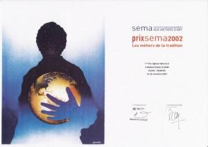 Prix SEMA 2002 départemental décerné à Estelle Cloann pour la réalisation d'objet d'arts traditionnels