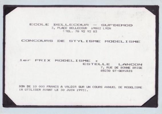 Prix décerné à Estelle Cloann dans la catégorie modélisme